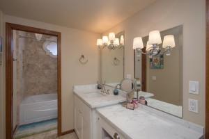 Bathroom Design & Remodeling in Phoenix, AZ